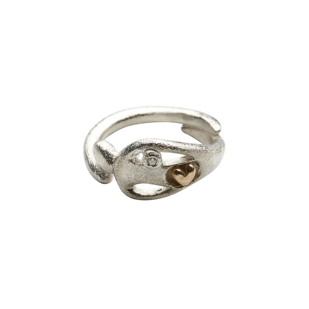 29be09545f39 Ring i sølv med 14 karat guldhjerte